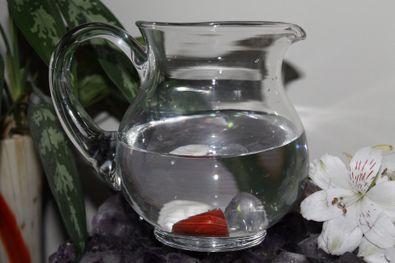 Kryštálová voda - Krištáľ Červený jaspis Magnezit